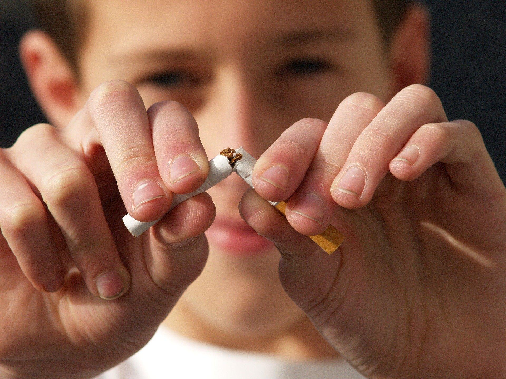 Les programmes visant à renforcer les compétences psychosociales sont-ils efficaces pour prévenir l'usage de drogue chez les jeunes (résumé d'article)?